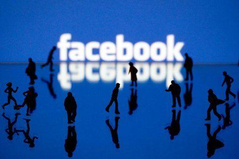 Facebook lancia Rooms: la nuova live chat