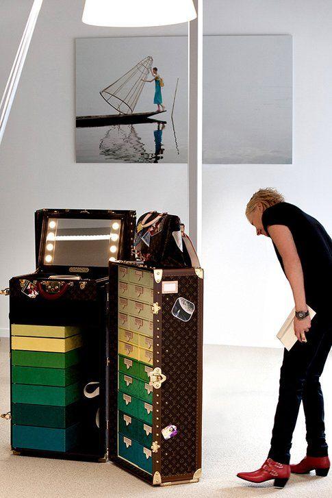 Il baule portatile e la tracolla per Cindy Sherman