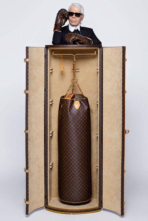Karl Lagerfield un armadietto portatile una borsa a forma di sacco da pugilato