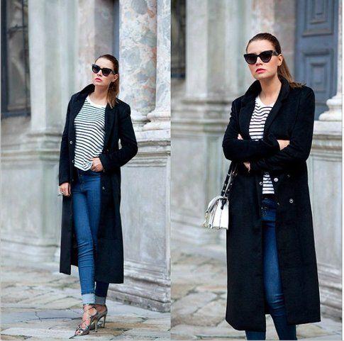 Veronica Ferraro con cappotto XXL semplice e blu - fonte @veronicaferraro su IG