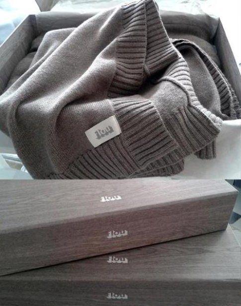 Le coperte Flou destinate all'arredamento sembrano perfette per la funzionalità di un capospalla