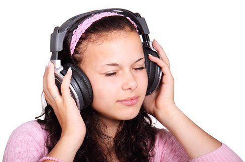 Non potete ascoltare la musica così? ( Nicola Einarson on Flickr)