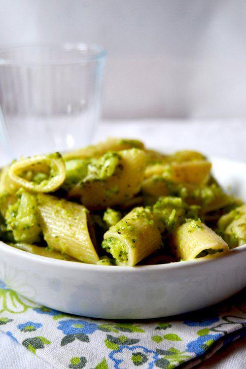 Pennoni con broccoli siciliani e pecorino romano. Ricetta e foto di Roberta Castrichella.