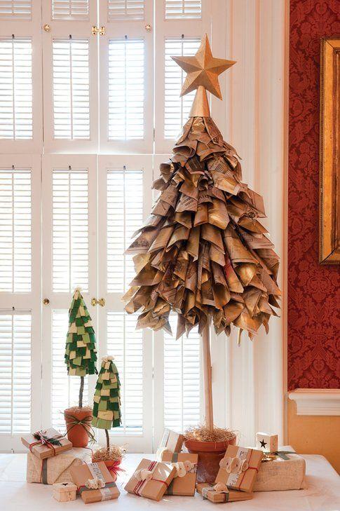 Albero di Natale con fogli di giornale - foto Pinterest.com