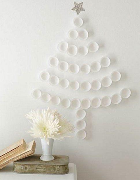 Albero di Natale realizzato con piatti di carta - Foto Pinterest.com