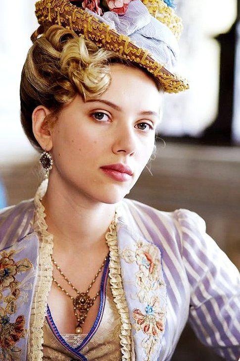 Scarlett Johansson compie 30 anni: un'infografica per festeggiarla!