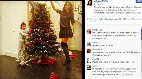 Elisabetta Gregoraci addobba l'albero di Natale
