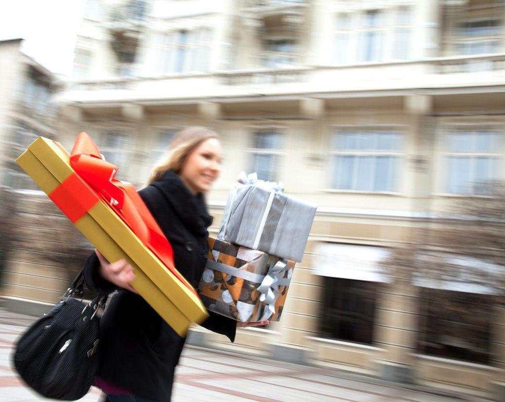 10 ostacoli da superare durante lo shopping natalizio