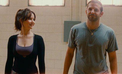 Jennifer Lawrence e Bradley Cooper in Il lato positivo