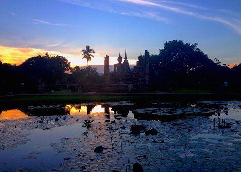 Sukothai al tramonto - foto di Elisa Chisana Hoshi