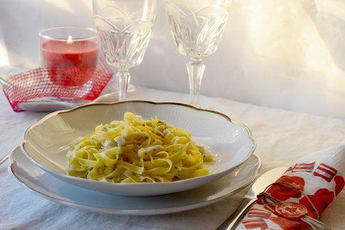 Fettuccine spigola e arancia. Ricetta e foto di Roberta Castrichella.