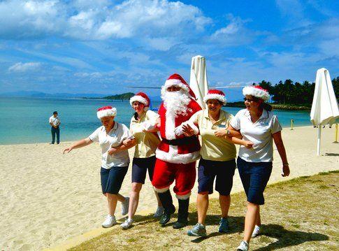 Babbo Natale sulla spiaggia by Sarah Ackerman