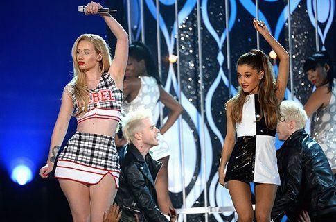 Iggy Azalea e Ariana Grande in duetto - Fonte: www.billboard.com