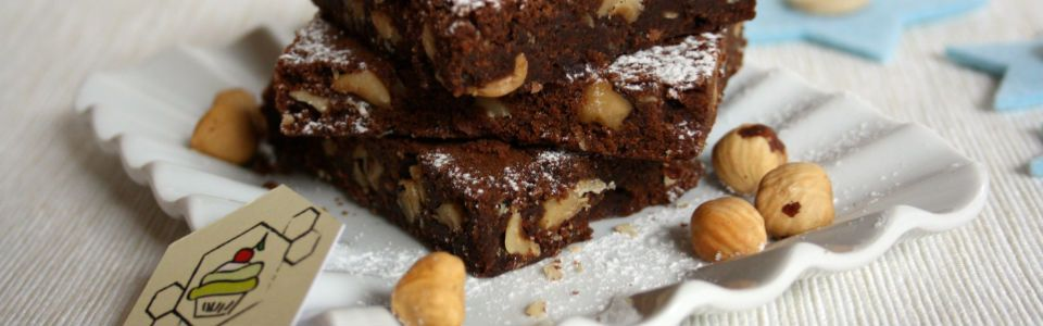 Brownie integrali alle nocciole
