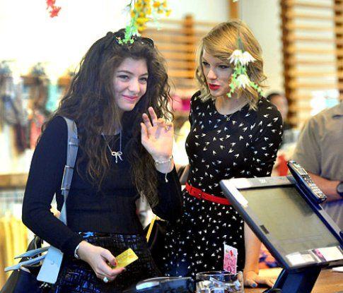 Lorde e Taylor Swift - via eonline.com