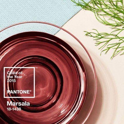 Pantone ha annunciato che il colore del 2015 sarà il Marsala, un bordeaux chiaro