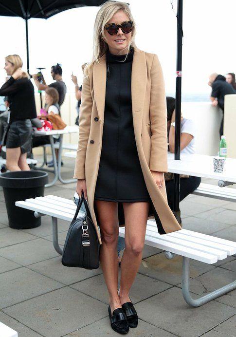 Cappotto color cammello + Abitino nero. Fonte: Fabsugar