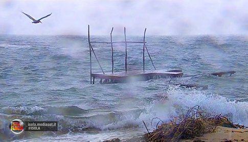 Tempesta tropicale - foto Facebook Isola dei famosi