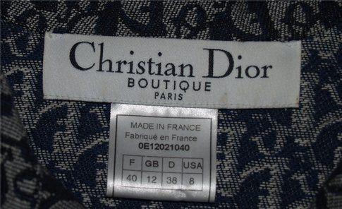 Un'etichetta vintage Christian Dior