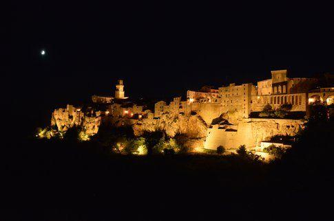 Pitigliano notturna - Photo by Giulia Raciti