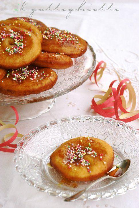 Frittelle di patate al miele, di Ambra d'Orazio, del blog Il Gatto Ghiotto.