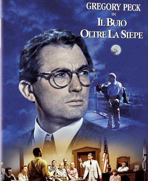 """Locandina dal film """"Il buio oltre siepe"""" - immagine da movieplayer.it"""