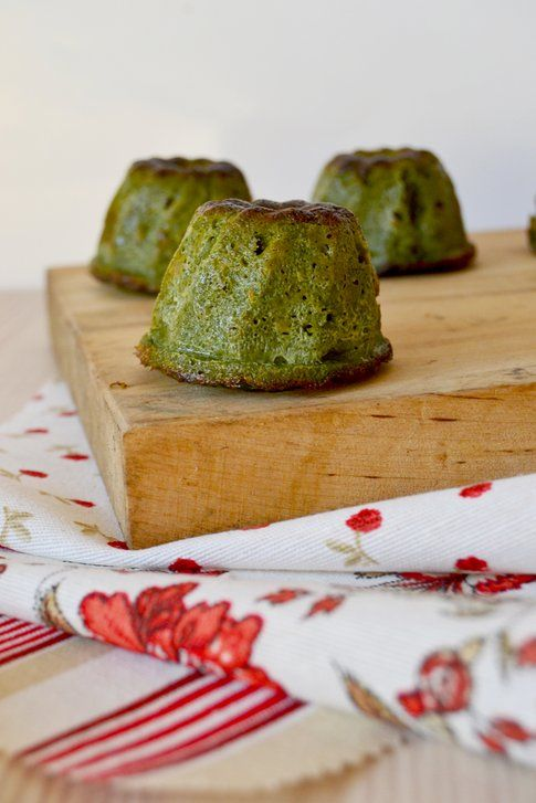 Flan di spinaci in versione finger. Ricetta e foto di Roberta Castrichella.
