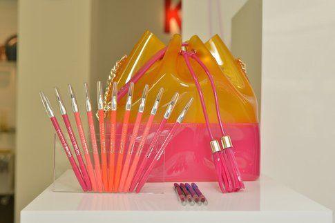 La collezione Trasparenze si arricchisce anche della borsa Grace K, realizzata da Kartell proprio in occasione di Trasparenze