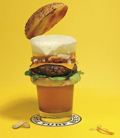 Il Beerger è fatta con malto, orzo e luppolo. Il patty viene con cipolle, fette di arancia, cavolo e formaggio