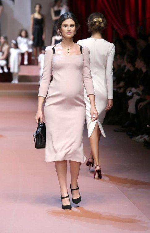 Bianca Balti con il pancione da Dolce&Gabbana