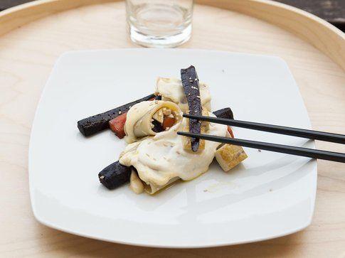 Cannelloni con tofu,carote colorate e crema allo yogurt di soia. Ricetta e foto by LaKritchen