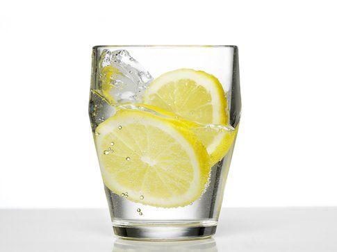 Alimenti per una pelle perfetta: l'acqua
