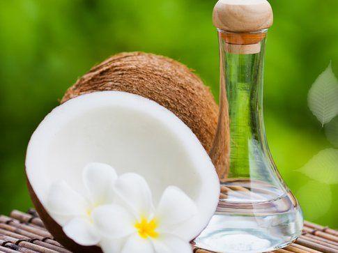 Alimenti per una pelle perfetta: l'olio di cocco