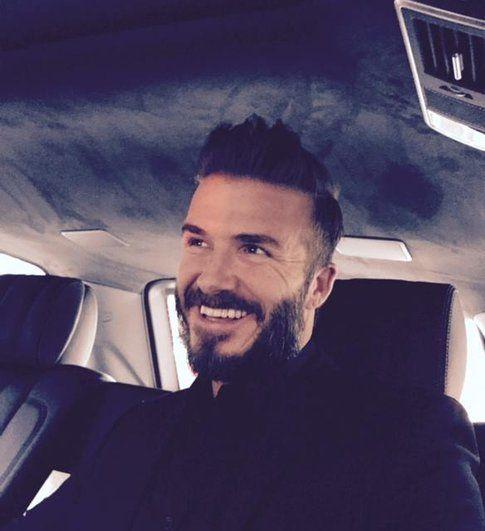 David Beckham con barba - Fonte: Facebook