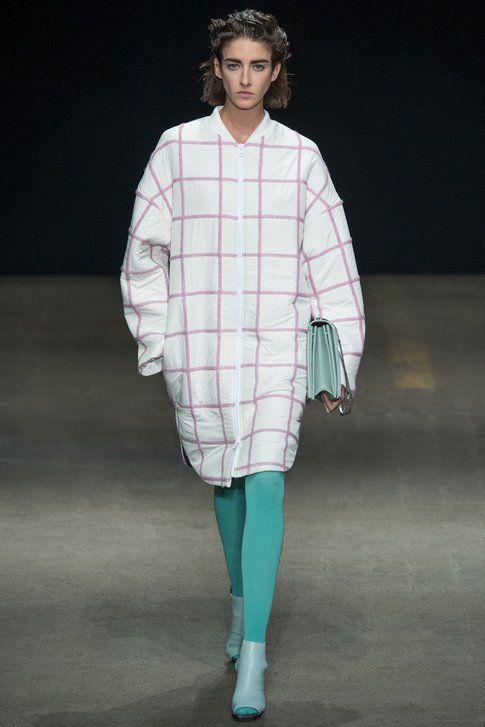 da una sfilata Philip Lim: calze colorate