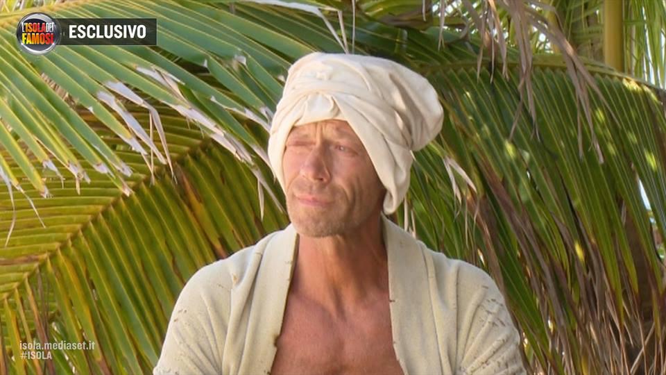 """Rocco Siffredi ha perso la sua """"virilità"""" sull'Isola dei Famosi?"""