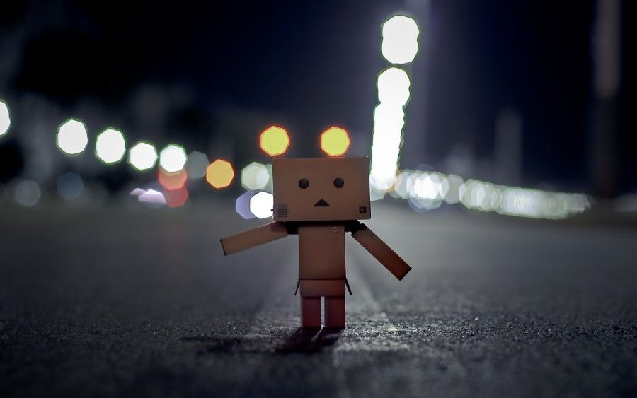 Walking-Alone-in-Darkness-and-Heading-for-Home-Don-t-Run-Parents-Will-be-Waiting-for-You-They-Are-Sweet-and-Patient-Cute-Box-Man-Wallpaper