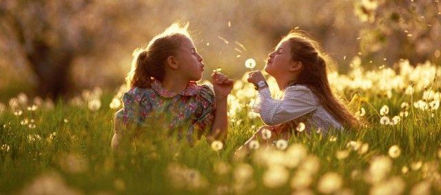 Le allergie colpiscono uomini, donne e, purtroppo sempre più spesso, i bambini.