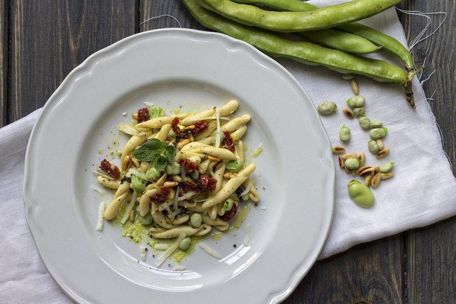 strozzapreti-fave-menta-pomodori-secchi-3-contemporaneo-food