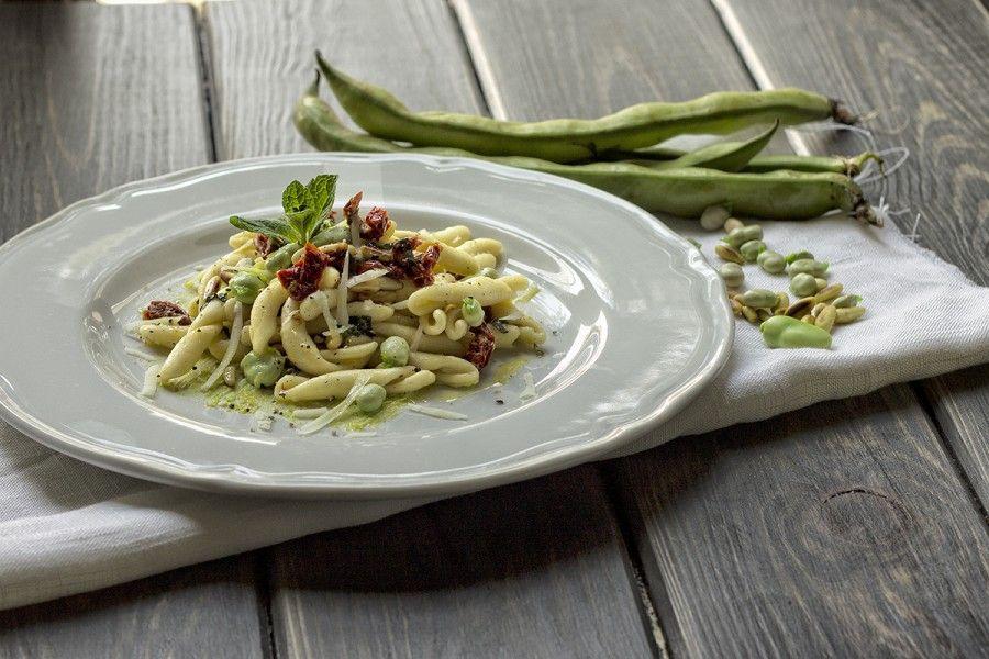 strozzapreti-fave-menta-pomodori-secchi-4-contemporaneo-food