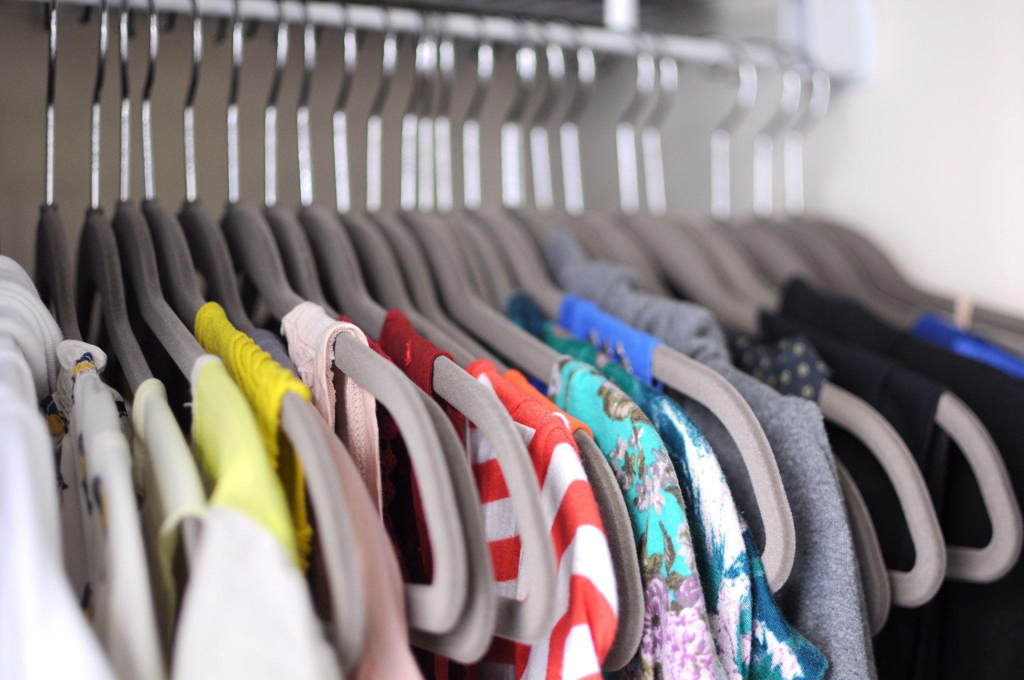 6 segreti per sistemare i difetti ai vestiti indossati