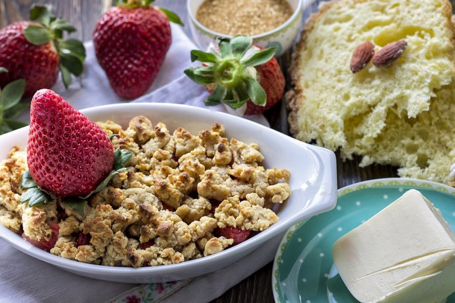 crumble-di-colomba-e-fragole-2-contemporaneo-food