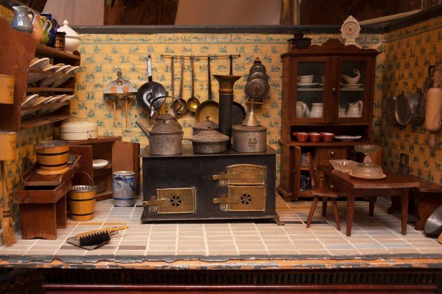 dolls-kitchen-546613_1920
