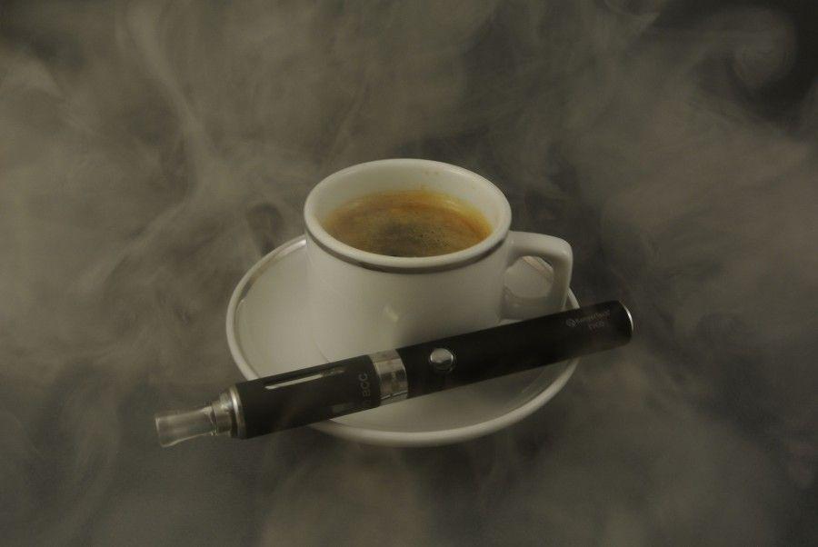 Fumare le sigarette elettroniche