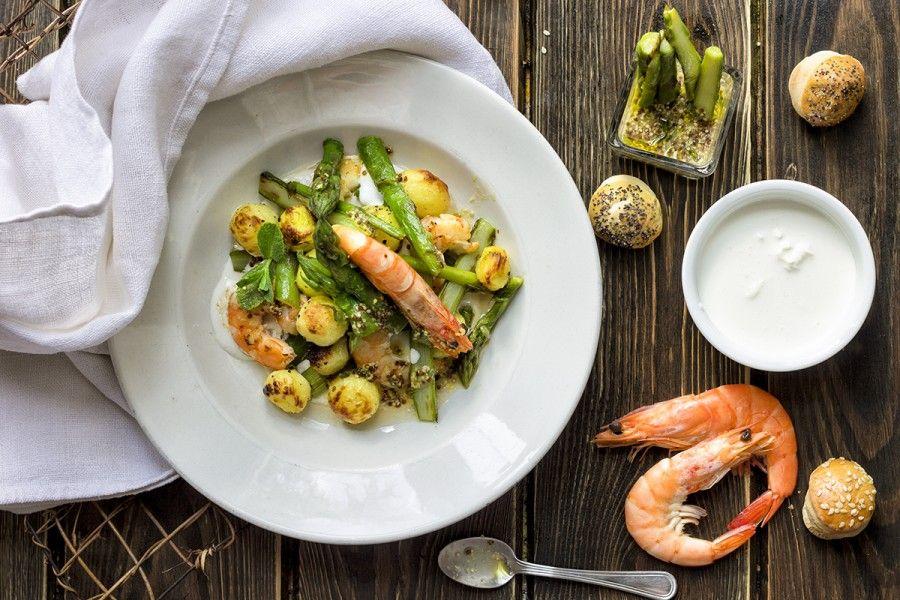 gamberi-alla-spagnola-con-stracciatella-di-bufala-e-asparagi-4-contemporaneo-food