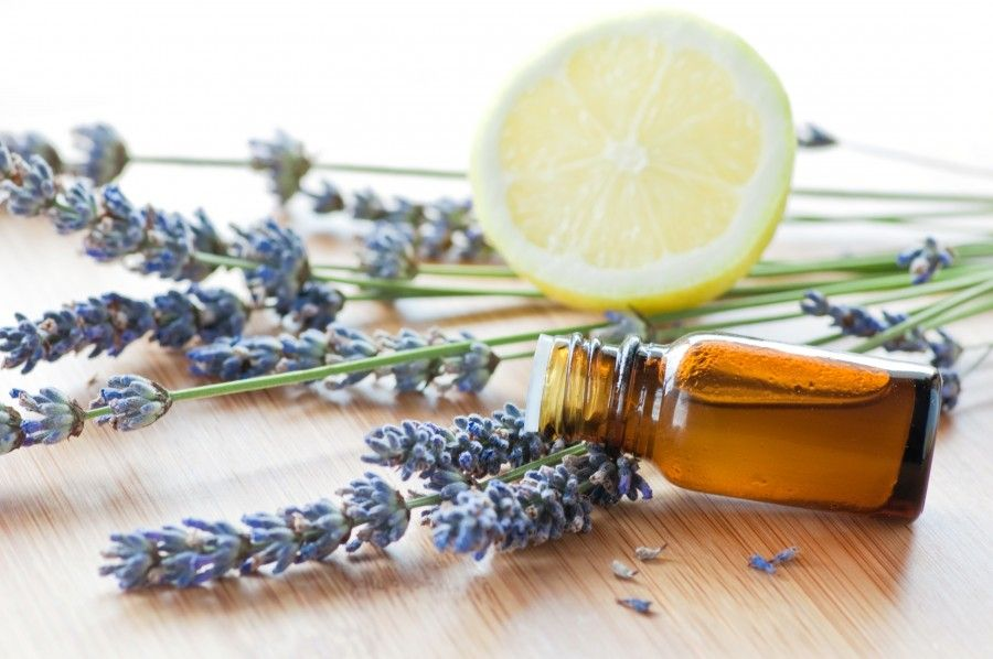 oli-essenziali-limone-e-lavanda