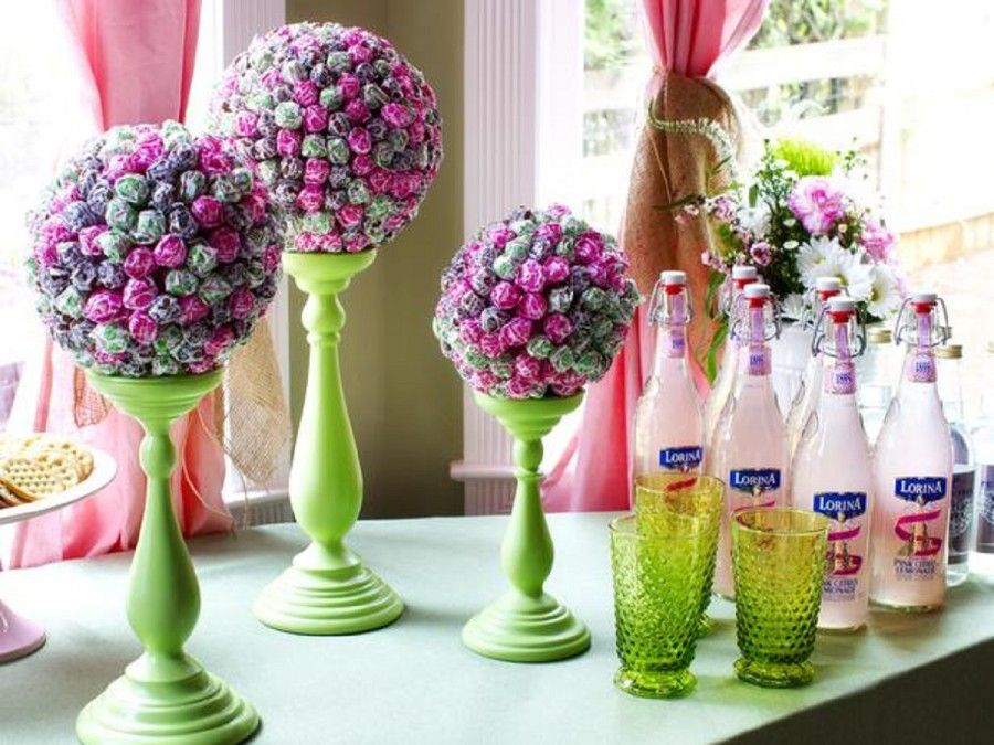 original-lollipop-topiaries_pink-lemonade-bottles_4x3_lg