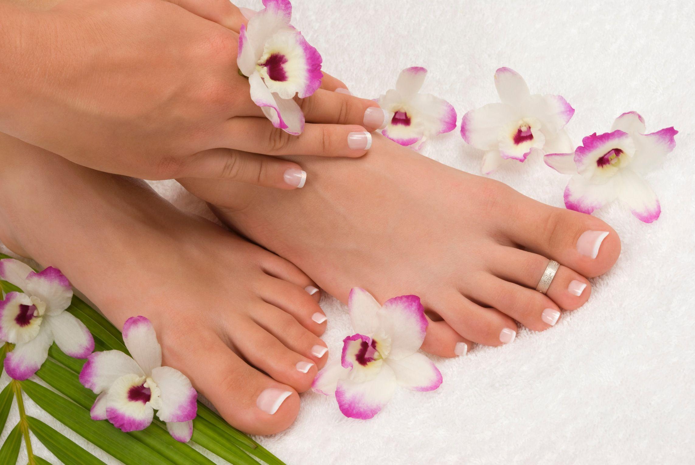 Tutti i metodi naturali per sgonfiare piedi e caviglie