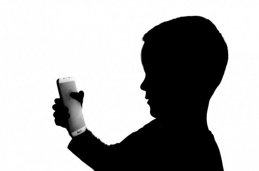 Perché non dare un telefonino ai bambini