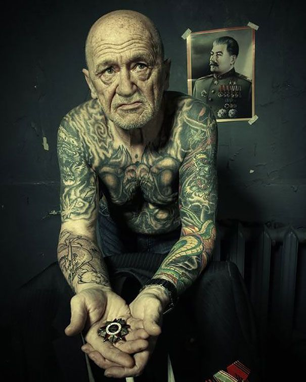 tattooed-elderly-people-22__605